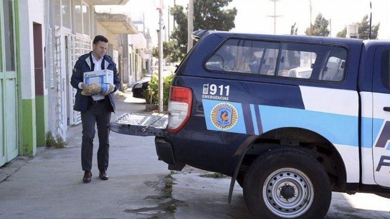 La Policía Federal allanó oficinas de un estudio jurídico ubicado en la calle Almirante Brown de Caleta Olivia. Incautó gran cantidad de documentación que estaría relacionada con denuncias por estafas a jubilados.