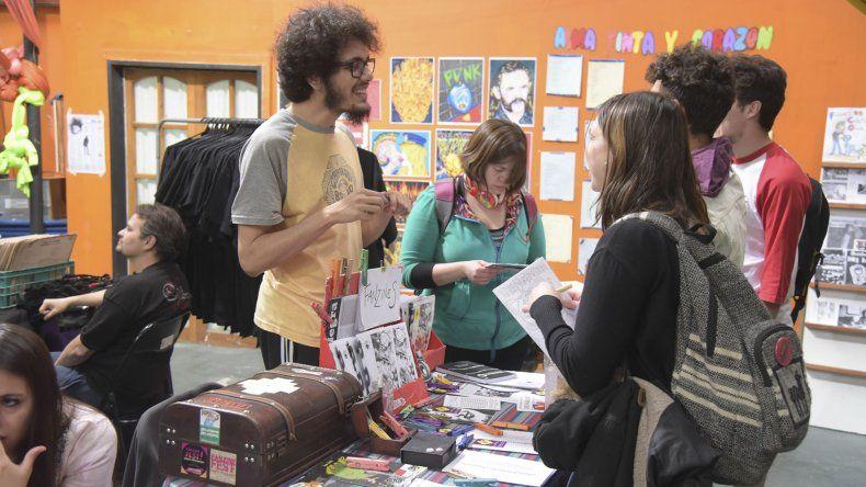 La Feria del Libro Punk reúne propuestas de proyectos autogestivos de toda la región