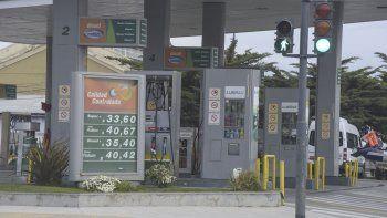 Axion y Petrobras subieron los precios de sus combustibles y hoy lo hará YPF