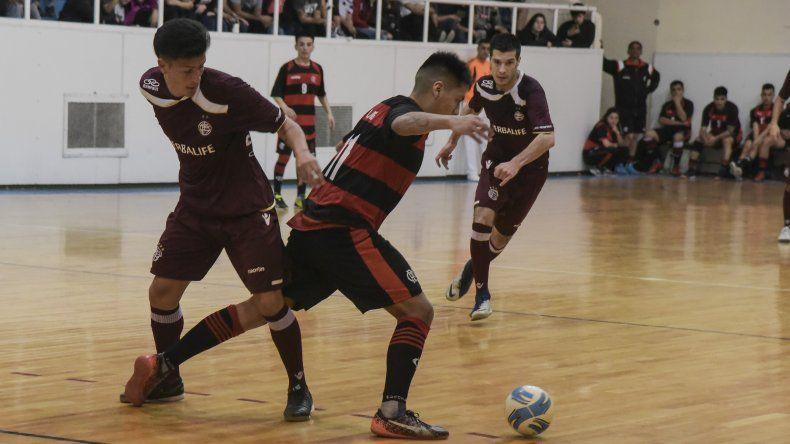 El fútbol de salón disputará esta tarde una nueva fecha del torneo Clausura que arrancó hace una semana en Comodoro Rivadavia.
