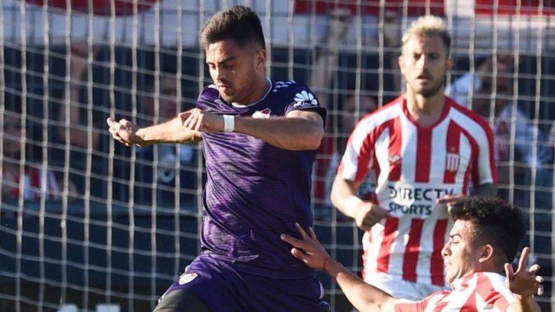 Gonzalo Martínez fue uno de los titulares en la formación alternativa que presentó River ayer en su partido ante Estudiantes.