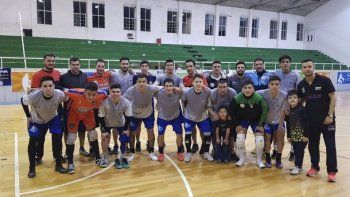 El Tiburón-MyL debuta en el Sudamericano de futsal