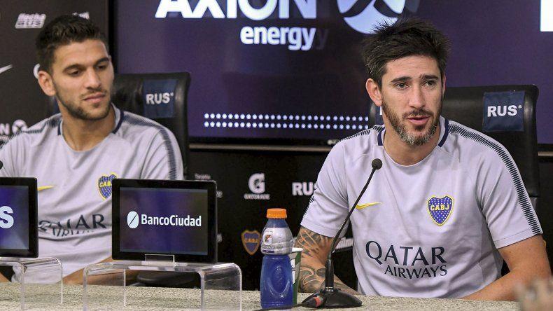 Pablo Pérez y Lisandro Magallán durante la conferencia de prensa que brindaron ayer de cara al clásico copero del sábado ante River.