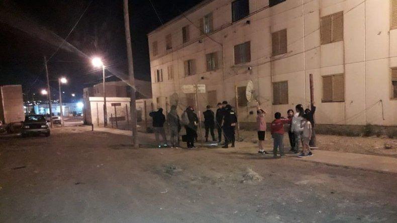 Anoche detuvieron a dos jóvenes en zona sur por rebeldía