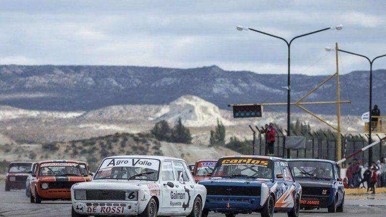 La última fecha del automovilismo pista provincial se pasó para el 17 y 18 ya que este fin de semana se anuncian lluvias.
