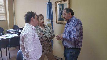 Carlos Linares en diálogo con Diego Lazzarone y Lidia Blanco.