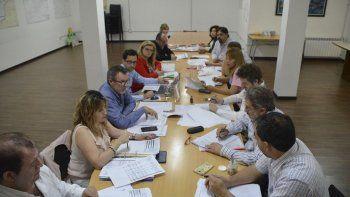 La reunión que los concejales mantuvieron ayer con representantes de la Secretaría de Obras Públicas.