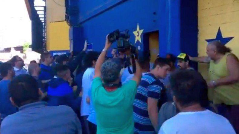 Incidentes en la Bombonera por la venta de entradas para la final