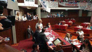 con 16 votos la legislatura rechazo el desdoblamiento de las elecciones