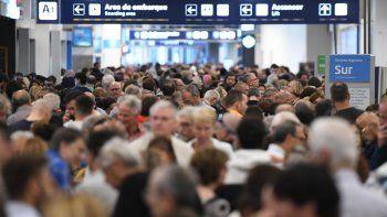 Cancelaron más de 155 vuelos de Aerolíneas Argentinas