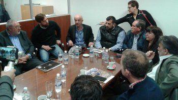 La reunión que integrantes de la Federación Empresaria mantuvieron con diputados y con el ministro de Economía de Chubut.