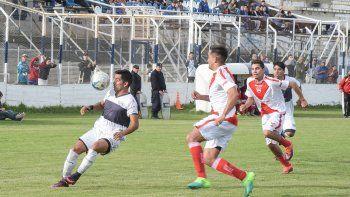 Jorge Newbery recibirá esta tarde a Deportivo Roca, equipo que hace dos fechas perdió la categoría.