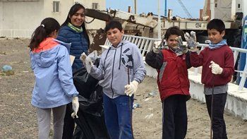 La iniciativa se replicó en diferentes playas de Comodoro Rivadavia y también de Rada Tilly.
