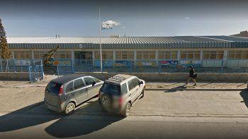 ingreso armado a una escuela del barrio juan xxiii y le robo a la directora