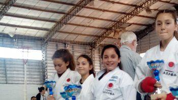 Una delegación de cuatro integrantes de Comodoro Rivadavia dijo presente en la ciudad de Santa Rosa, La Pampa. En lo que fue en simultáneo el XXXI Torneo Nacional Infanto Juvenil y XXXVIII Torneo Nacional de Mayores 2018.