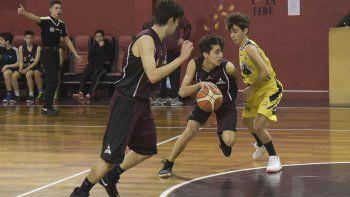 El torneo Clausura del básquetbol local continuará esta noche en dos gimnasios de la ciudad.