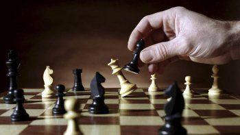 la estrategia del anticipo electoral y la coherencia de no avalar mas ajuste