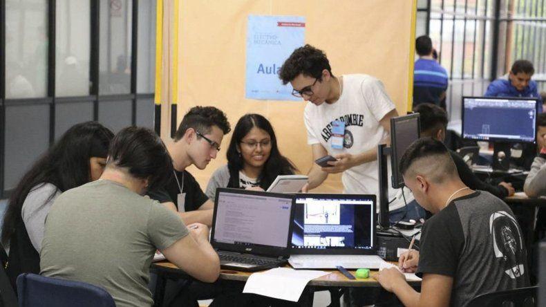 Alumnos de la Escuela 760 representaron a Comodoro Rivadavia en las Olimpíadas Nacionales de Electromecánica.