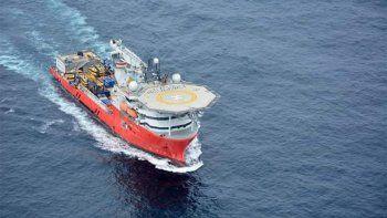 el seabed constructor navega hacia sudafrica