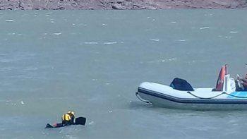 continua la busqueda de los cuerpos desaparecidos en el dique ameghino