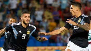 argentina derroto a mexico con goles de icardi y dybala
