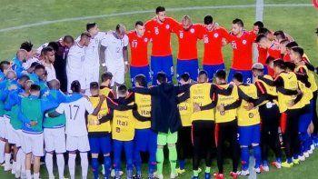 jugadores de chile y honduras homenajearon al pueblo mapuche