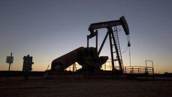 Alarma por el desplome del precio del petróleo
