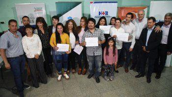 Los asistentes al curso recibieron ayer sus certificados.
