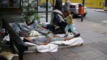 Cuatro millones de pobres y un millón de indigentes más en un año