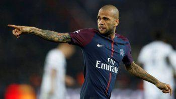 Dani Alves: jugar un River- Boca fuera de Sudamérica es una vergüenza