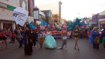 Por sexto año consecutivo se realizó la Marcha del Orgullo en Comodoro Rivadavia.