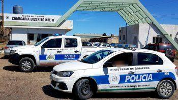 consumia bebidas alcoholicas y mordio a un policia que quiso identificarlo