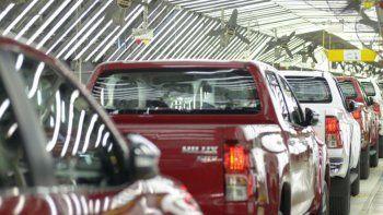 las ventas de autos de noviembre cayeron mas del 45% interanual