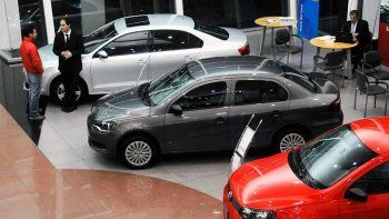 La producción de autos se desplomó 41