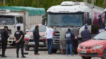 detuvieron a cinco choferes por venta ilegal de combustible