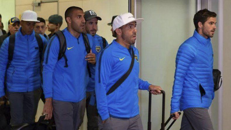 El plantel de Boca llegó a España y el DT no confirmó el equipo.