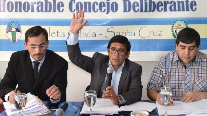Javier Aybar será por cuarto período consecutivo presidente del Concejo Deliberante de Caleta Olivia. Hizo valer su doble voto.