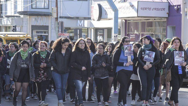 El avance de la movilización por la calle San Martín.