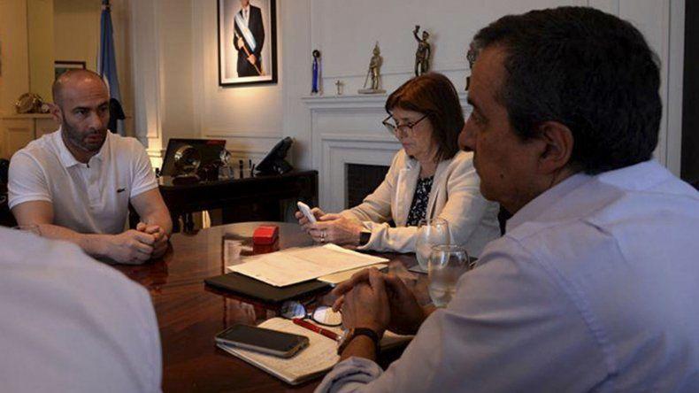 El encuentro entre Bullrich y Massoni ayer en Buenos Aires.