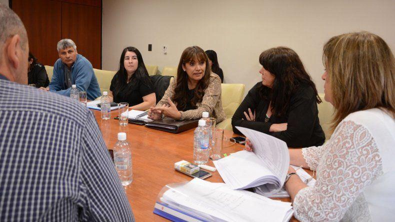 Cigudosa presentó un informe sobre el presupuesto educativo en Legislatura