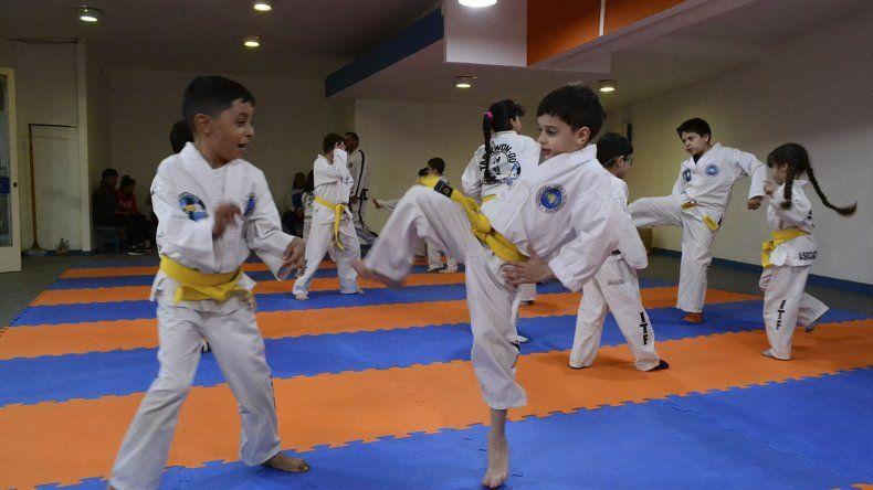 La Escuela de Taekwondo cierra su año con una competencia interna