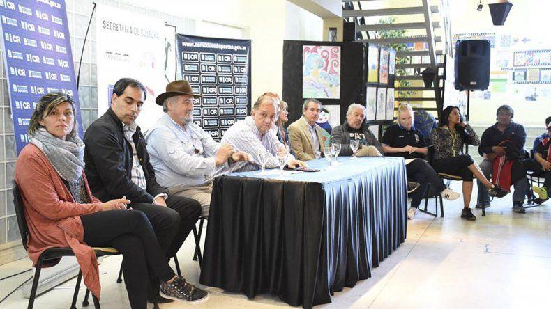 La presentación de los Juegos Comunitarios de Verano se llevó a cabo el último miércoles en pleno centro de la ciudad.