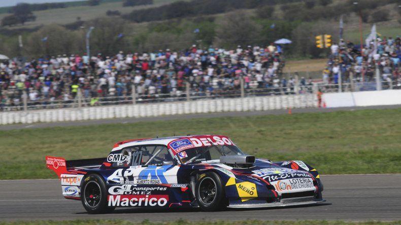 El Ford de Marcelo Agrelo que marcha segundo en la Copa de Plata del TC Pista que este fin de semana estará escribiendo su último capítulo en San Nicolás.