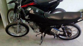 compro por facebook una moto sin papeles y con patente adulterada