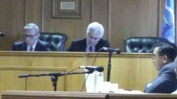 ratificaron el arresto domiciliario para los dos comisarios sospechosos de haber vendido tierras del estado