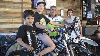 Los pilotos Santino Perales, Tomás Carbajal, Jorge Bucemo y Jorge Mérida formaron parte de la conferencia de prensa.