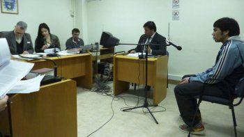 Awad denunció ser objeto de amenazas por parte de otros internos que lo obligaban a ingresar droga al pabellón de la alcaidía.