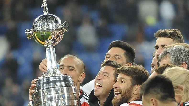 Marcelo Gallardo y todo River festeja una conquista histórica en Madrid.