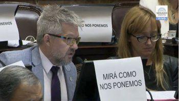 Senadores se solidarizaron con la actriz Thelma Fardín, luego de su denuncia de abuso sexual contra Juan Darthés.