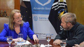 En la reunión que mantuvo la gobernadora Alicia Kirchner con el ministro Frigerio se trataron diversos temas.